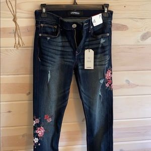 Express jeans with flower embroidery